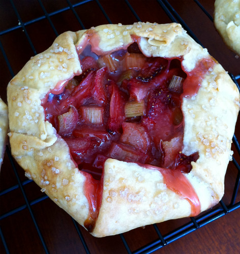 strawberry rhubarb galette_02