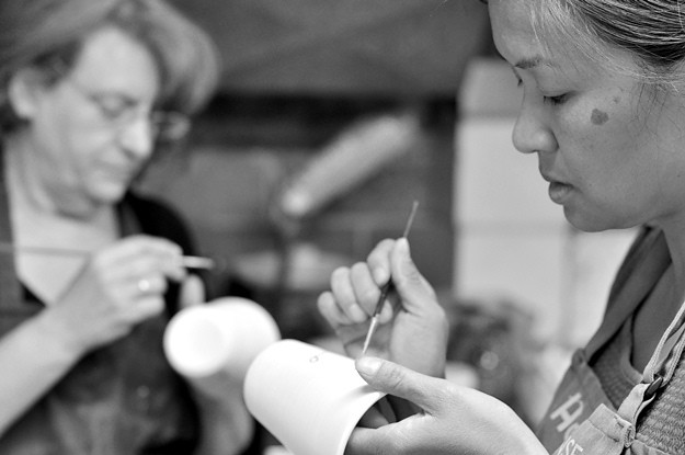 Leigh and Olga painting tea cups BW sm