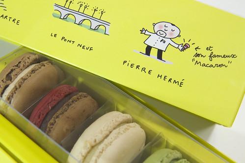 Macaron Special Box illustrated by Soledad Bravi, Pierre Hermé, Shinjuku Isetan
