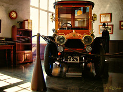 Sodertalje, Sweden 057 - Marcus Wallenberg Hall (Scania Museum) (Claudio.Ar) Tags: auto old color car museum vintage europa europe flickr sweden antique award museo antiguo suecia scania cubism sodertalje aplusphoto onlythebestare goldcruzadas claudioar claudiomufarrege