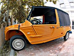 Soft-roader (Sator Arepo) Tags: leica car reflex funny offroad wheels citron fisheye plastic vehicle zuiko cambrils digilux softtop offroader mehari mhari dyane6 digilux3 8mmed zd8mmfish35