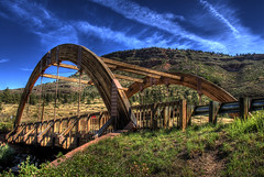 Apple Valley Road Bridge, Lyons, Colorado (Thad Roan - Bridgepix) Tags: bridge trees mountains clouds colorado arch timber explore wikipedia span hdr lyons bridging photomatix glulam bouldercounty bridgepixing bridgepix stvraincreek 200808 applevalleyroadbridge