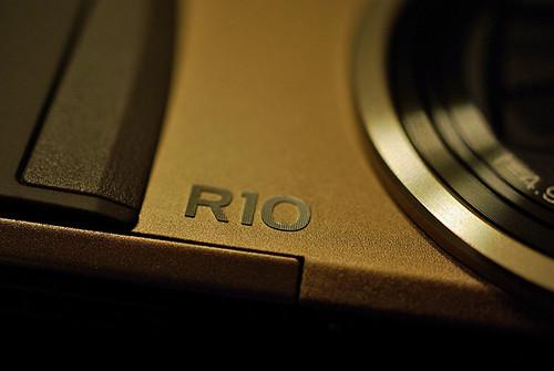 RICOH-R10-04