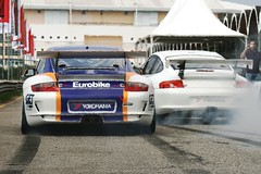 Porsche GT3 Cup (Heitor --) Tags: auto cars cup car canon photography automobile track automotive pit tires burning porsche heat vehicle yokohama burnout 100asa exhaust sportscar digest photograhy pitlane carphotos canon70200f4l gt3 997 autofoto 100iso carpix carphoto autofotos gt3cup pitbox 997gt3 autofotografie autofotograaf autofotografen