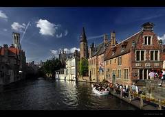 Postcards from Belgium... 'Brugge' (B'Rob) Tags: city travel blue light cloud streetart color building verde green tower art tourism water true azul museum architecture photography lights canal photo yahoo google madera nikon flickr paradise belgium symbol edificio brugge picture tourist colores best explore most cielo wikipedia bruges belgica paraiso 1224mm brujas channel mejor tradicin d300 brob explored brobphoto