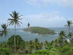 Ile du Diable vue de l'Ile Royale (t4t0) Tags: ile prison guyane bagne devilisland