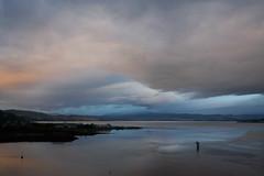 Sunrise in Loch Ness (dnieper) Tags: water sunrise landscape scotland agua paisaje escocia amanecer lochness lagoness