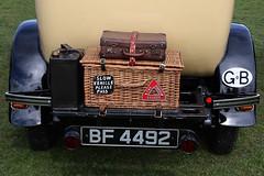 luggage (Leo Reynolds) Tags: canon eos 50mm iso100 basket luggage suitcase f67 0ev 40d hpexif 0011sec leol30random xleol30x xratio3x2x xxx2008xxx