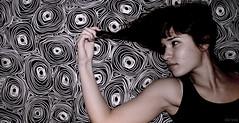 Larita MP_02 (Kris *) Tags: she portrait woman girl canon 350d mujer friend chica retrato ella amiga lara flickrestrellas
