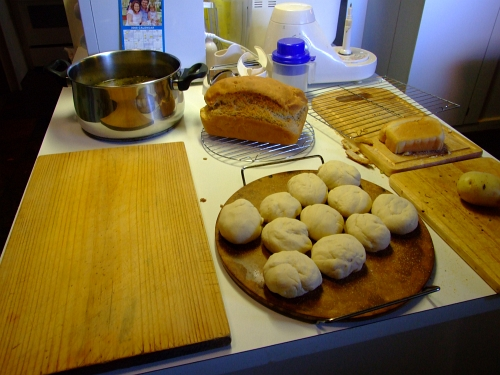 lotsa rolls