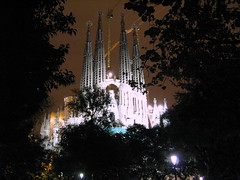 Templo Expiatorio de la Sagrada Familia (jacilluch) Tags: barcelona espaa church architecture cat spain arquitectura europa bcn edificio iglesia gaudi sagradafamilia catalua barna fachadadelapasion goldstaraward