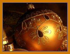 Christmas Ornaments 2 (Hammer51012) Tags: christmas macro gold olympus ornament ornaments merry 2008 sp570uz