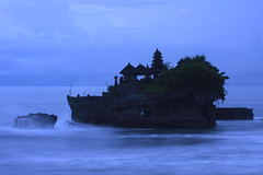 Temple on the Sea (A Sutanto) Tags: ocean blue sea bali night indonesia island temple evening twilight asia waves dusk indianocean wave pura tanahlot