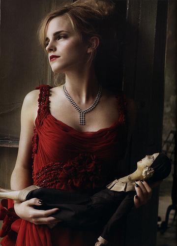 emma watson vogue 2011 photoshoot. 2011 Emma Watson Style � Emma