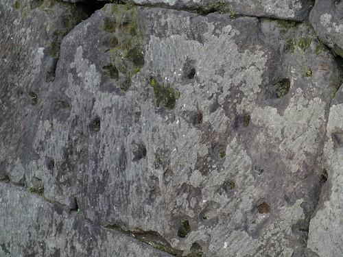 西南戦争弾痕(私学校跡) まあそういうのもあるんですが、鹿児島に行ってやはりと思ったのは、より深