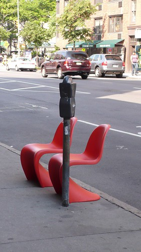 Verner Panton chairs on the street | Design Verner Panton | powered by tagwerc