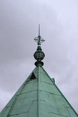 pinnacle and roof (Leo Reynolds) Tags: sky church canon eos iso400 verdigris 90mm f11 objectsky 30d 0ev hpexif 0002sec groupobjectsky groupverdigris leol30random xskysetx xleol30x xxx2008xxx xratio2x3x