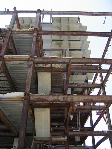 Steel and concrete in the unfinished building