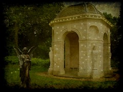 house of magic (Eddi van W.) Tags: texture magic competition creativecommons dreamcatcher eddi07