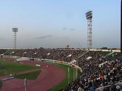 Stade du 4 aout rechts