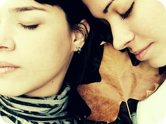 Open Your Eyes ( gillianvilla) Tags: girls friends sleeping london leave plane lyrics eyes closed open song unknow your gillian asleep amigas folha dormir snowpatrol dormindo reasons colorphotoaward platinumheartaward vipveryimportantphotos