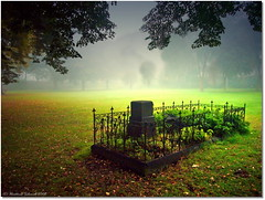 - tomb of a hero - (tadelloeser ) Tags: autumn light grave bravo oneofakind tomb shiningstar nationalgeographic peopleschoice flickrtoday a fx01 golddragon flickrsmileys mywinners abigfave silentlife colorphotoaward impressedbeauty amomentarylapseofreason infinestyle artoflight envyofflickr tadelloeser photostosmileabout theperfectphotographer dragongoldaward photossansfrontires spiritofphotography multimegashot grouptripod goldenlandscape dragonflyaward