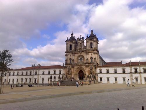 Mosteiro de Alcobaça, fachada principal