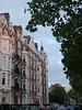 P1070242.JPG Franklin Row (londonconstant) Tags: autumn london architecture chelsea eats londra planetree playingfields cadogangardens royalhospital sw3 costi londonplanetree londonconstant lowersloanestreet platanum franklinrow