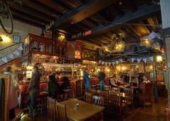 Bishop's Arms pub (claustral) Tags: wood beer dark pub sweden whiskey kitsch malmö flickrmeet hdr ott bishopsarms västrahamnen nikond200 atx124 flickrmeet081012