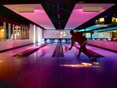 the spinmaster (leaaaah) Tags: jason brother lounge sydney bowling darlingharbour kingpin jase