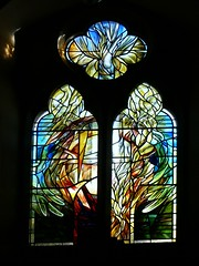 Modern stained glass St Leonard's - Priors Marston