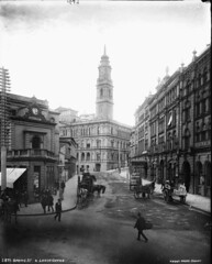 Spring Street and Lands Office, Sydney (Powerhouse Museum Collection) Tags: horses building lands department powerhousemuseum bayliss xmlns:dc=httppurlorgdcelements11 dc:identifier=httpwwwpowerhousemuseumcomcollectiondatabaseirn28108