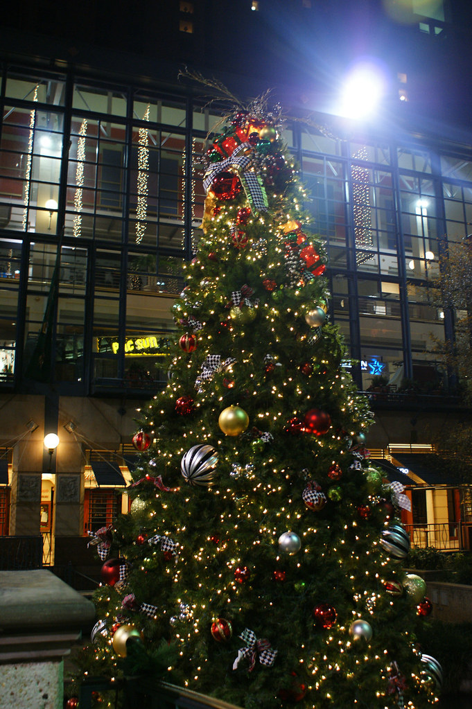 Christmas tree_riverwalk
