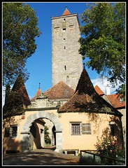 Castle Gate - Rothenburg ob der Tauber, Germany (Batikart) Tags: city travel autumn houses vacation fall window architecture canon buildings germany geotagged bayern deutschland bavaria town interestingness reisen holidays europa europe village urlaub herbst medieval historic explore stadt architektur altstadt oldtown vacanze 2007 citywall canonpowershot middleage a610 f50 rothenburgobdertauber huser stadtmauer burggarten ansbach castlegate historisch mittelfranken mittelalter walledtown townwall tauber rothenburgodtauber canonpowershota610 burgtor romanticroad romantischestrasse wehrgang 100faves 50faves i500 viewonblack middlefranconia holidaysvacanzeurlaub batikart stadtgetty2010