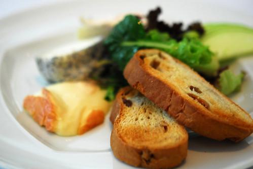 Selection de fromages affines Francaise, pain aux noix et salade - DSC_3774 copy