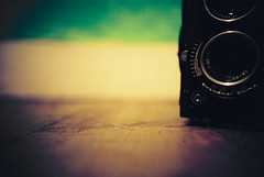 Lomo 06▸12 (ukaaa) Tags: macro green 120 6x6 tlr film closeup analog 35mm square wooden student lomo lca lomography dof floor flat kodak bokeh room low ground surface depthoffield charlie negative pointandshoot medium mf analogue 135 portra kot twinlensreflex portra160vc ratseyeview haiou seagull4a103