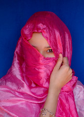 Face of Morocco (Peace Correspondent) Tags: pink portrait beautiful d50 northafrica lovely1 hijab morocco mysterious getty marokko mystique gettyimages views2000 kingdomofmorocco fv40 sidirbat soussmassa peacecorrespondent