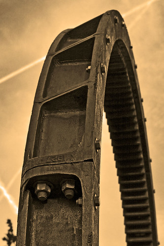 Gears & Vapor Trails