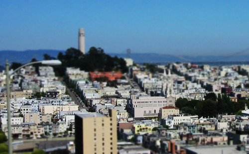 Mini San Francisco (by niklausberger)