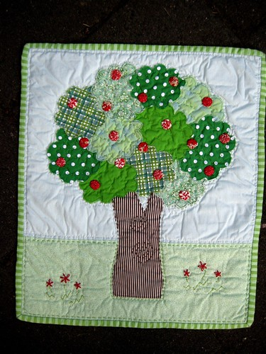 DQS4 Apple Tree Quilt