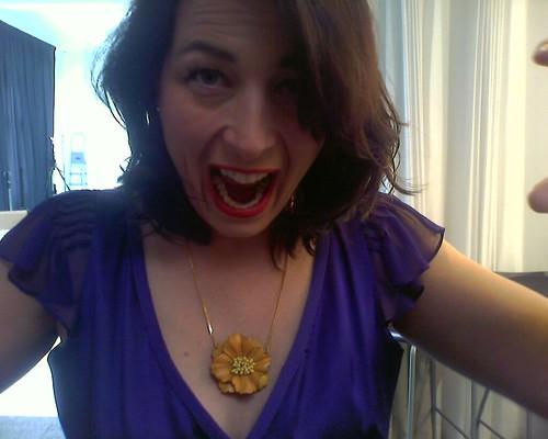 fotoshoot vandaag voor kerstnummer...ik leek wel een opera zangeres by you.