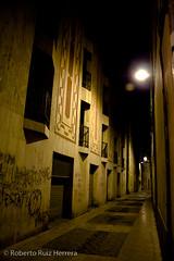 Calle desierta (Berts @idar) Tags: noche edificios ciudad nocturnas vacaciones tarragona reus efs1855mmf3556 espaa canoneos400ddigital ojosajenos ojosajenoscom