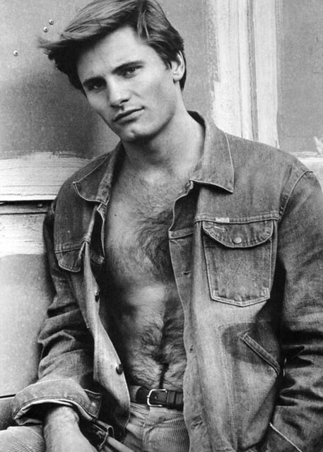 Viggo Mortensen by Sicilian lady