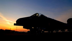 A10_Sunrise (RMac_Photography) Tags: plane sunrise wow d50 army flying cool nikon aviation military jet airforce combat rmac warthog a10 tankkiller fairchildrepublic forwardairsupport