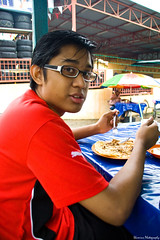 Eat prata! (Y-Shumin) Tags: money bike bicycle cuisine for cycling nikon singapore long indian muslim curry malaysia value distance cheap 18200 touring roti prata d40 ringit sgima