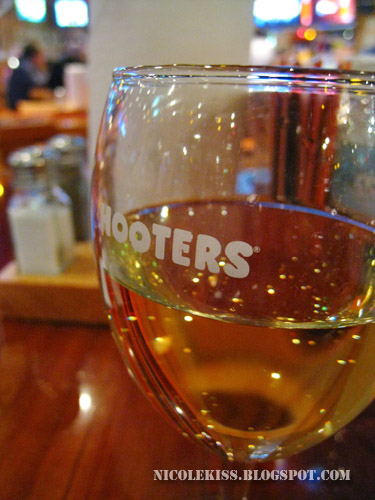 hooters glass