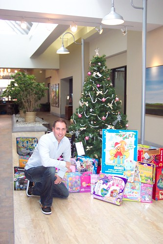 Action Nouvelle Vie Food/Toy Drive