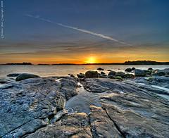 A stripe in the sky (Rob Orthen) Tags: sunset sea sky ice rock suomi finland landscape helsinki nikon rocks europe sundown scenic rob scandinavia talvi meri hdr maisema vesi d300 jää uutela 1116 orthen vertorama roborthenphotography tokina1116 tokina1116mm28 seafinland verticalpanoramatokina
