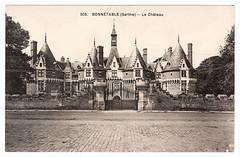 Bonnétable (Sarthe) - le Château (pepandtim) Tags: old famille monochrome early gates postcard military ambulance rochefoucauld ww1 chateau greatwar worldwar1 sarthe bonnetable 57blc88 rochefoucald drmikanowski