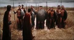 espartanos, esta noche cenaremos en el infierno